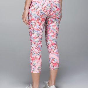 Lululemon Run Inspire Crop Pink Floral 🌸